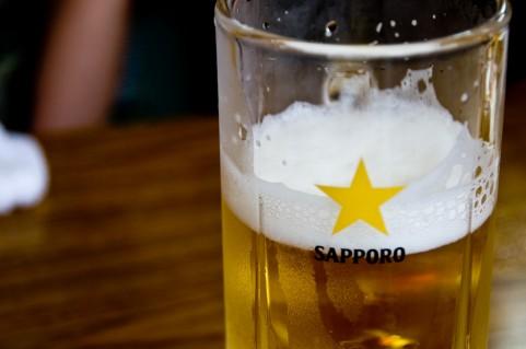 女性化乳房がアルコール好きの男性に増えている