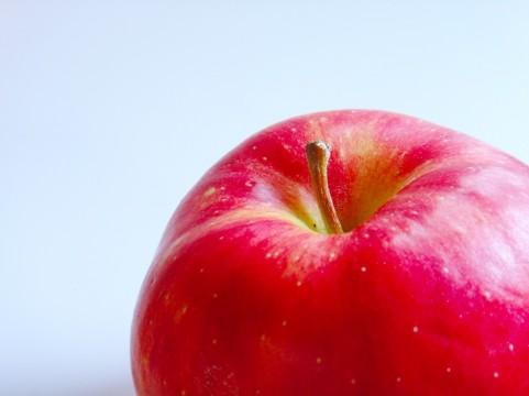 りんごの皮は実よりも抗酸化作用が強かった