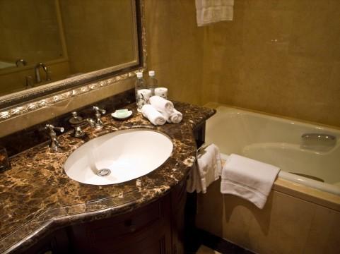 肺MAC症が急増中!浴室のぬめりで感染する!!