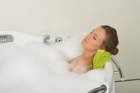 腰痛の改善に半身浴より全身浴のほうが効く理由
