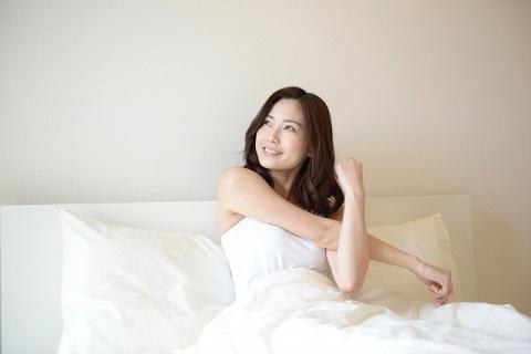大腰筋の鍛え方はベッドに仰向けでやるのが簡単