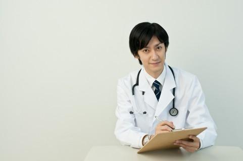 喉頭がんの初期症状をチェックして早期発見する