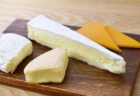 内臓脂肪レベルはチーズを食べるだけで減らせる
