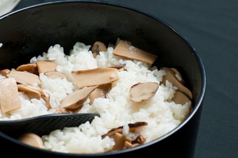 炊き込みご飯が簡単!圧力鍋なら20分で完成