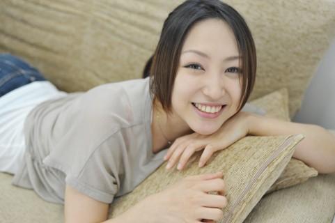便秘解消で女性タレントが驚きの美肌に変身