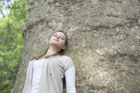血管迷走神経性失神の治療は壁に寄りかかるだけ