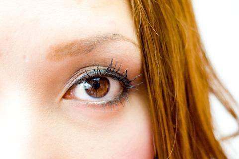 飛蚊症は原因によっては失明の危険のある病気
