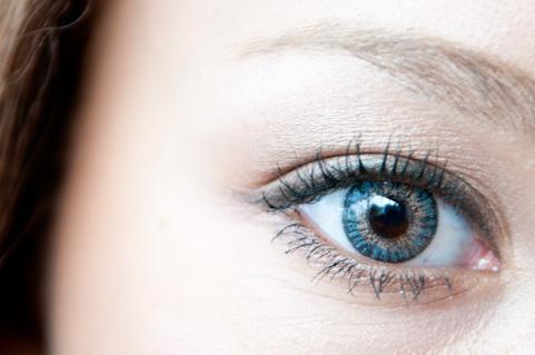 視力回復トレーニングに老眼鏡が効果的だった