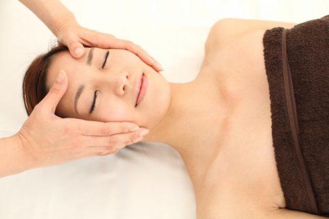 顔のたるみを改善「キスミー体操」の効果を検証