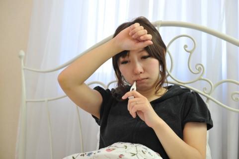 ストレスで微熱!?心因性発熱の症状と治療法