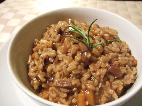 つい食べたくなる高カロリーの食事は玄米で予防