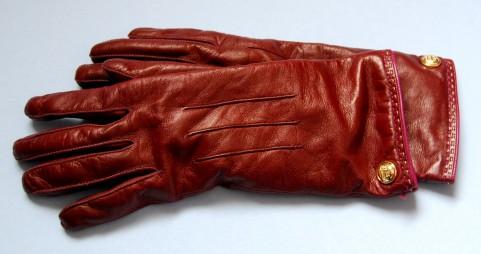 アデノウイルス結膜炎を予防するなら手袋をする
