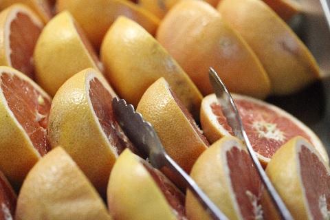 グレープフルーツの剥き方を画期的に簡単にする