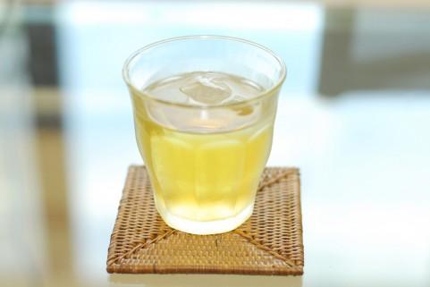 水出し緑茶はカテキンが出ないぶん苦味が少ない