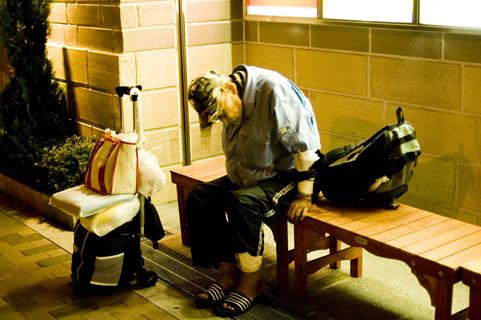 健康寿命と平均寿命が教える戦慄の老後生活