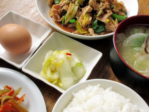 血圧を下げる食事は主菜の減塩せず副菜で減らす