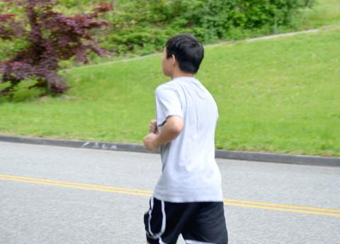 変形性膝関節症に治療にまた走れる手術がある