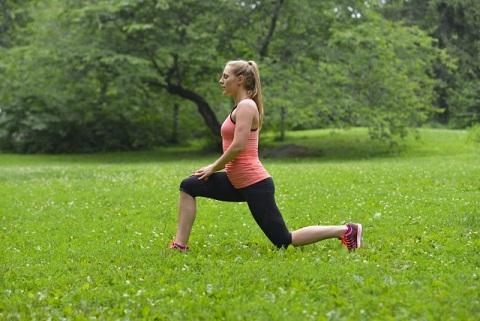 大腰筋を鍛える「歩幅1.5倍」ウォーキング
