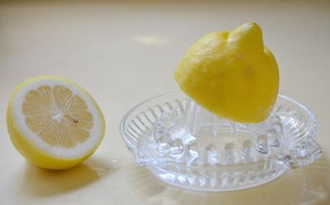 ビタミンCの効果を得るには1日最低100mgを摂取