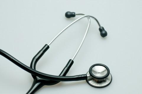 耳管開放症の治療は湿気で空気の抜けを悪くする