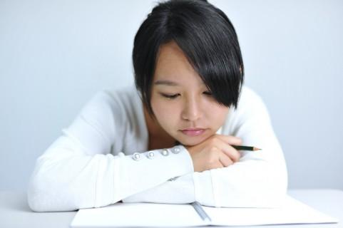 記憶力アップは寝る・情報を出す・うるさい場所
