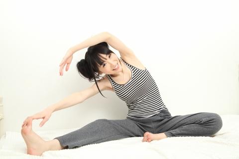 体の歪みが簡単に改善するねじり体操のやり方
