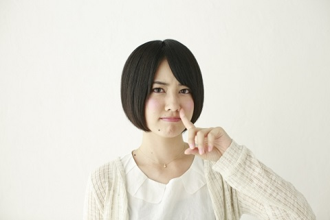 鼻づまりツボ「自律神経の天柱と即効性の迎香」