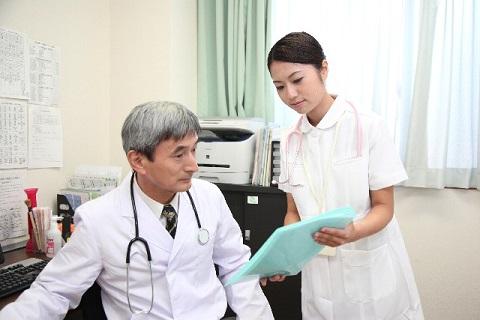 血液検査で尿酸値が高いときに疑うべき原因とは