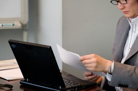 血圧を下げる方法をオフィスで仕事中に実践する