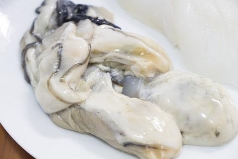 牡蠣は生食用と加熱用でうまみも栄養も全然違う