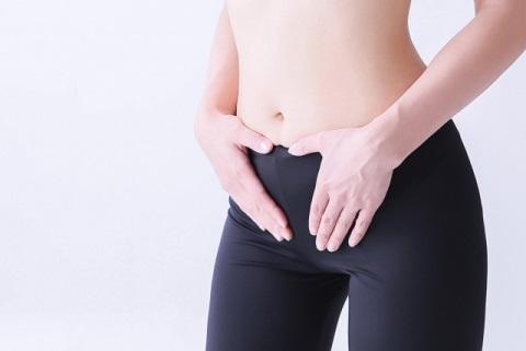 立ったまま腹横筋を強化するドローインのやり方