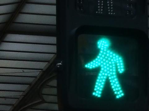 緑内障の症状で信号機が見えてないかもしれない