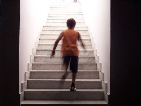 大腰筋の鍛え方は階段を上るときの1段飛ばし