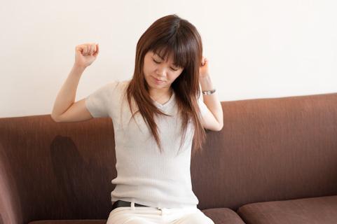 筋膜はがしのツボを押すことで肩こりが解消する