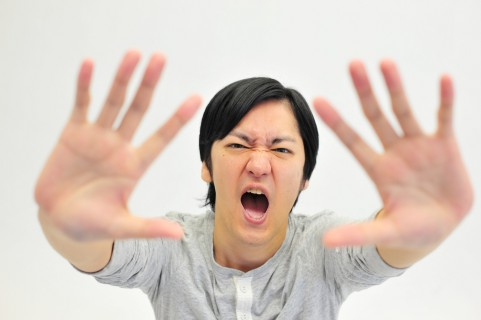 前頭側頭型認知症を早期発見する4つの危険信号