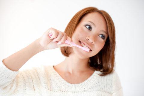 プロテアーゼを体内から出すため歯磨きは朝イチ