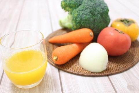野菜ジュースの栄養は製造過程で大部分を失う