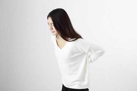 腰椎椎間板ヘルニアが原因でおこる腰痛の具体例