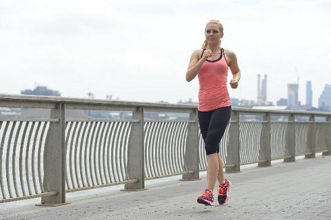 正しい歩き方で全身の筋肉の70%を鍛えられる