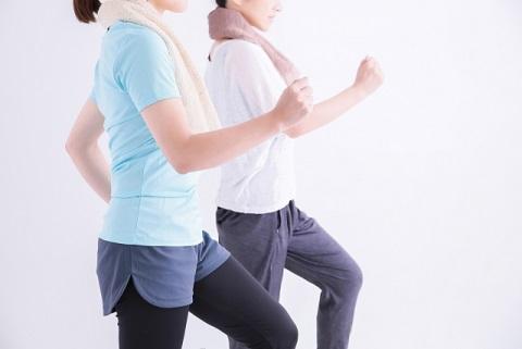 高齢者の運動に最適な「ゾンビ体操」の効果とは