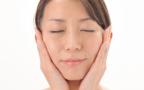 顔のリンパマッサージでシミや目の疲れを改善!?